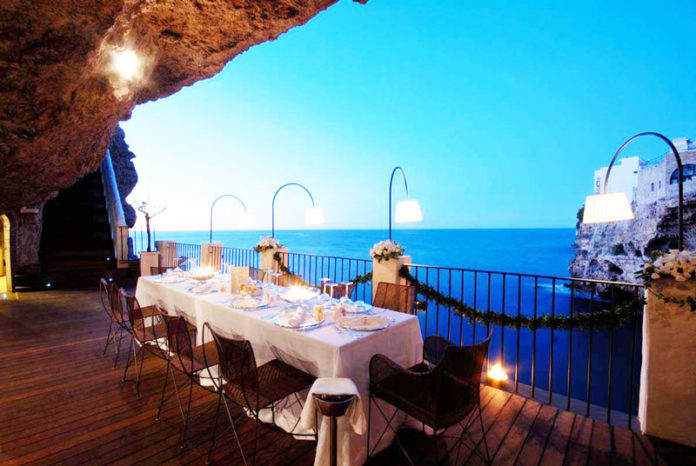 10-grotta-palazesse-hotel-italy